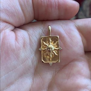 Jewelry - Gold plated sun necklace